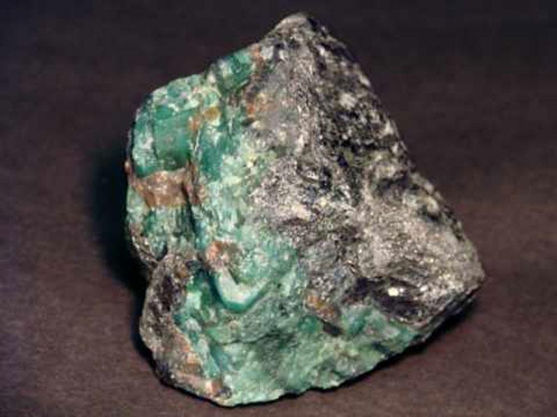 Smaragd Rohkristall
